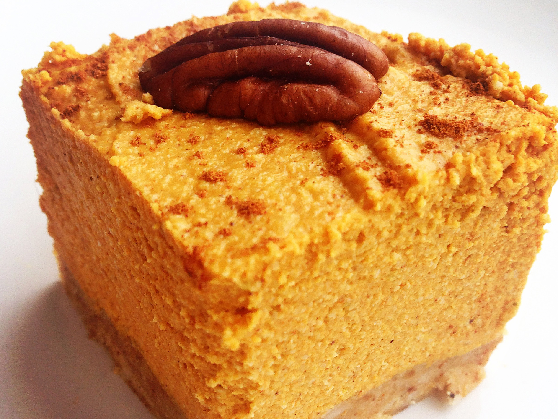 Paleo-Pumpkin-Pie-Cheesecake-Squares