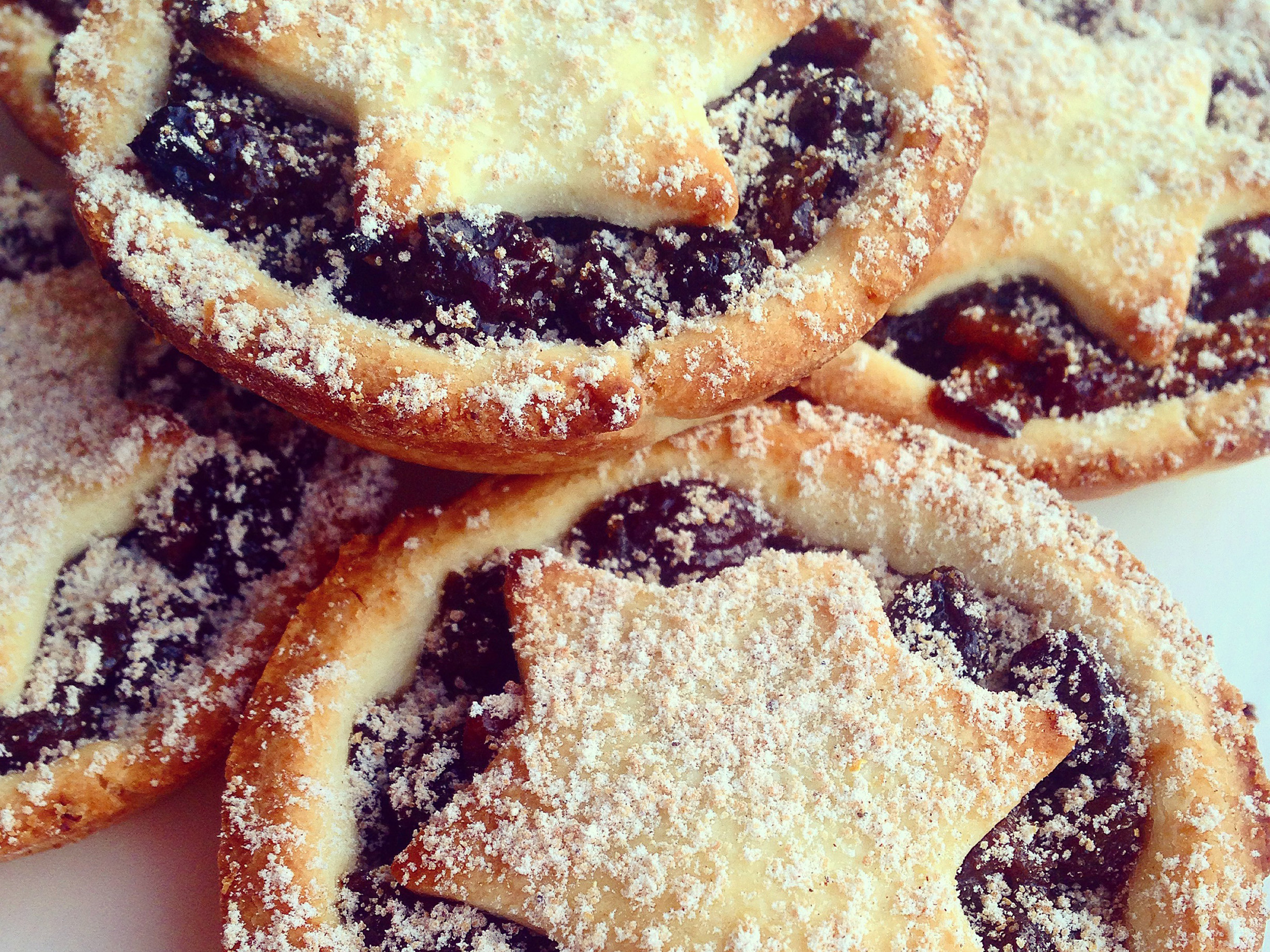 Paleo-Star-Topped-Mince-Pies