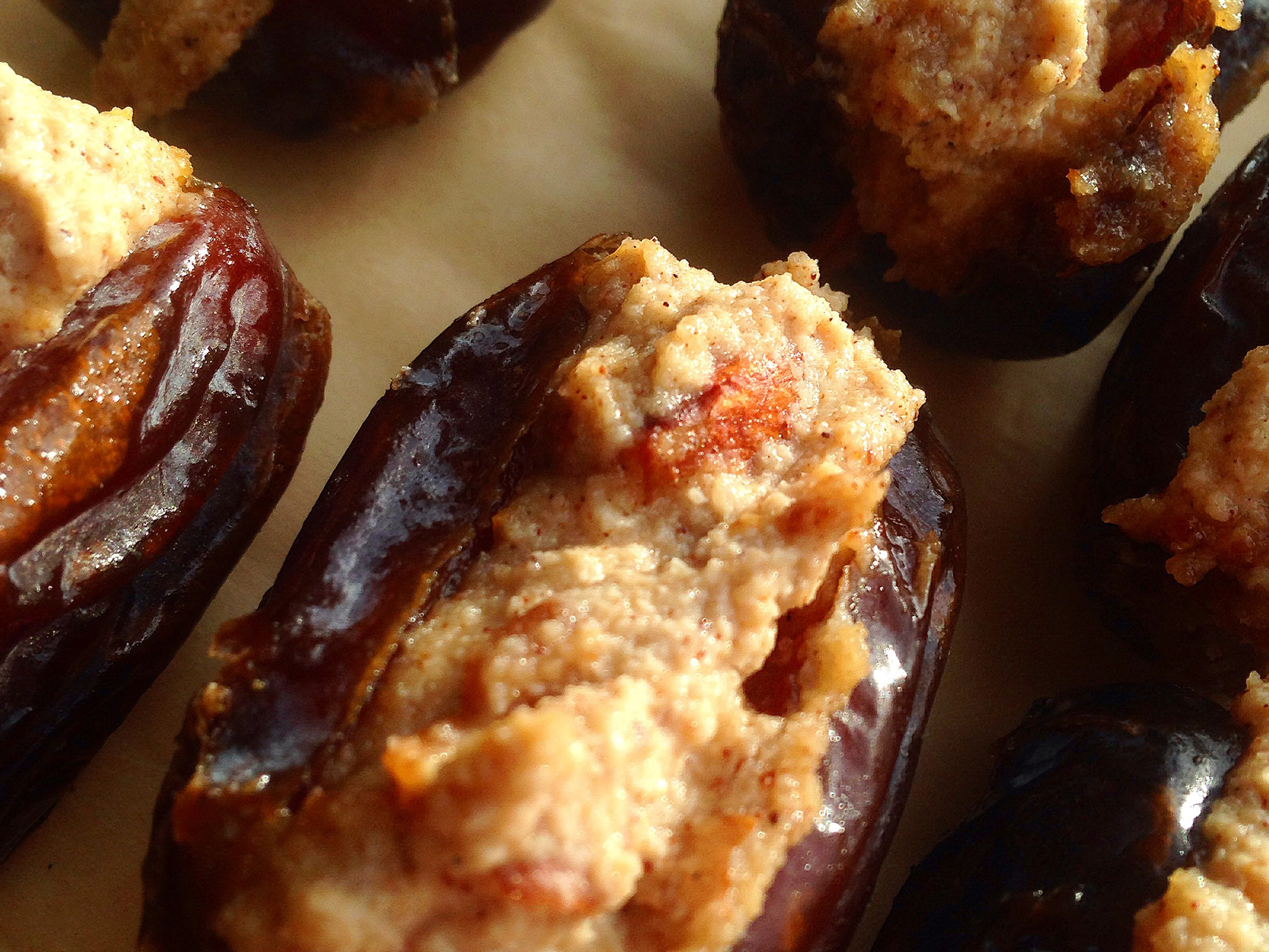 Paleo-Stuffed-Middle-Eastern-Dates