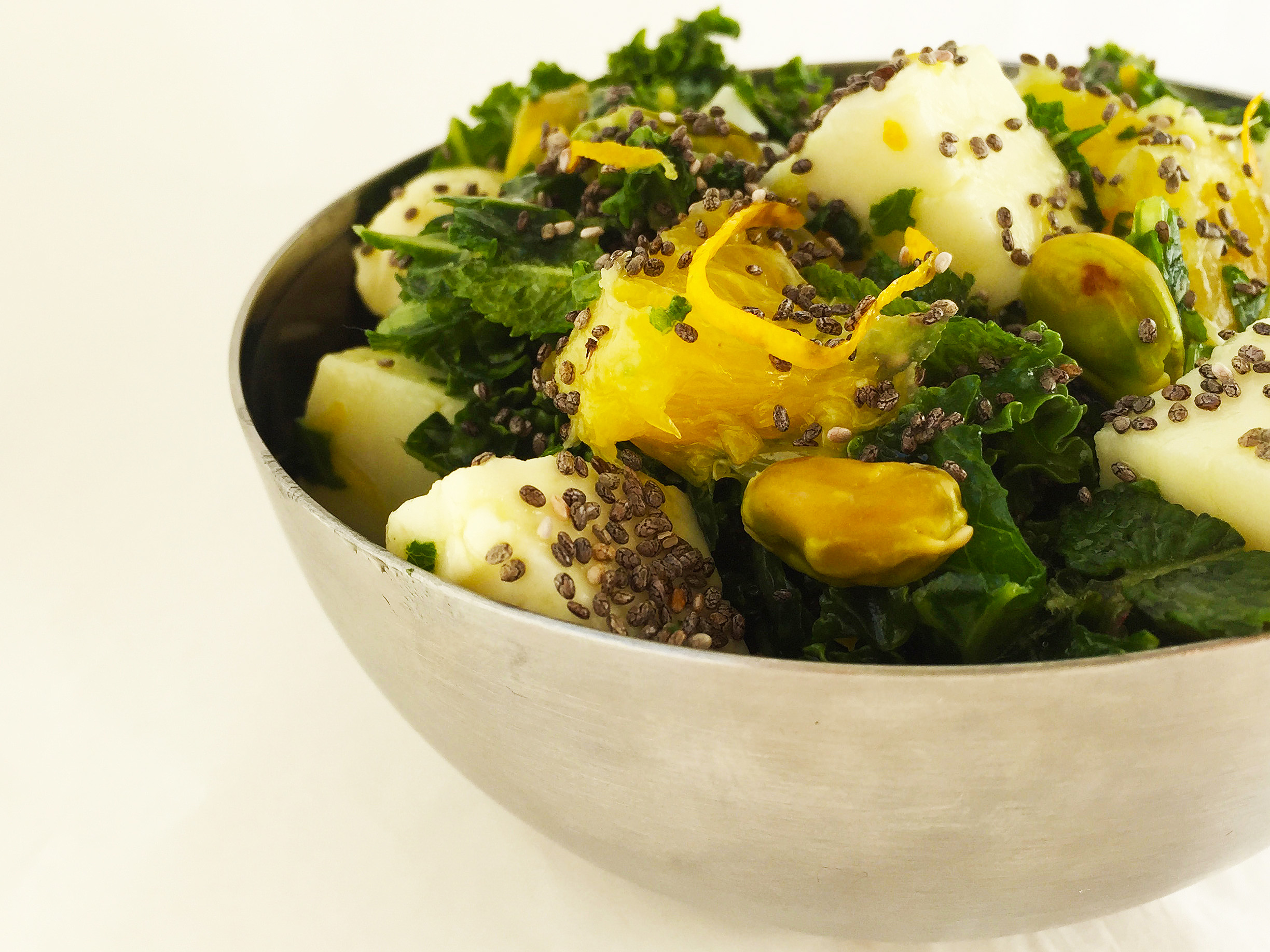 kale-orange-and-halloumi-salad-with-pistachios-2