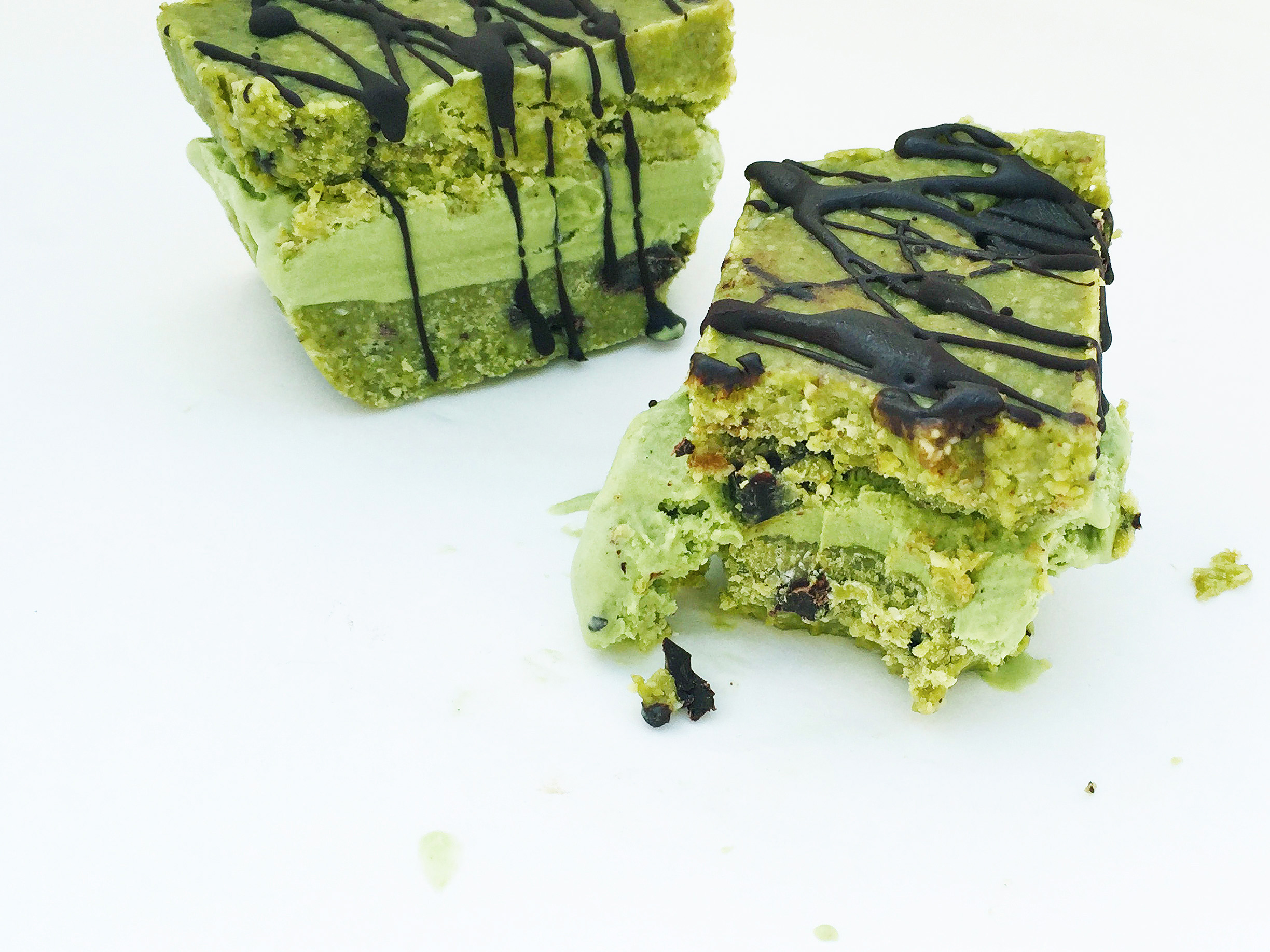 raw-matcha-choc-chip-cookie-dough-ice-cream-sandwiches-23