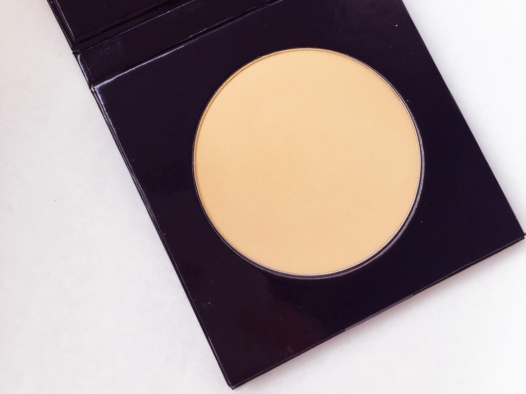 green-people-pressed-mineral-powder-review-2