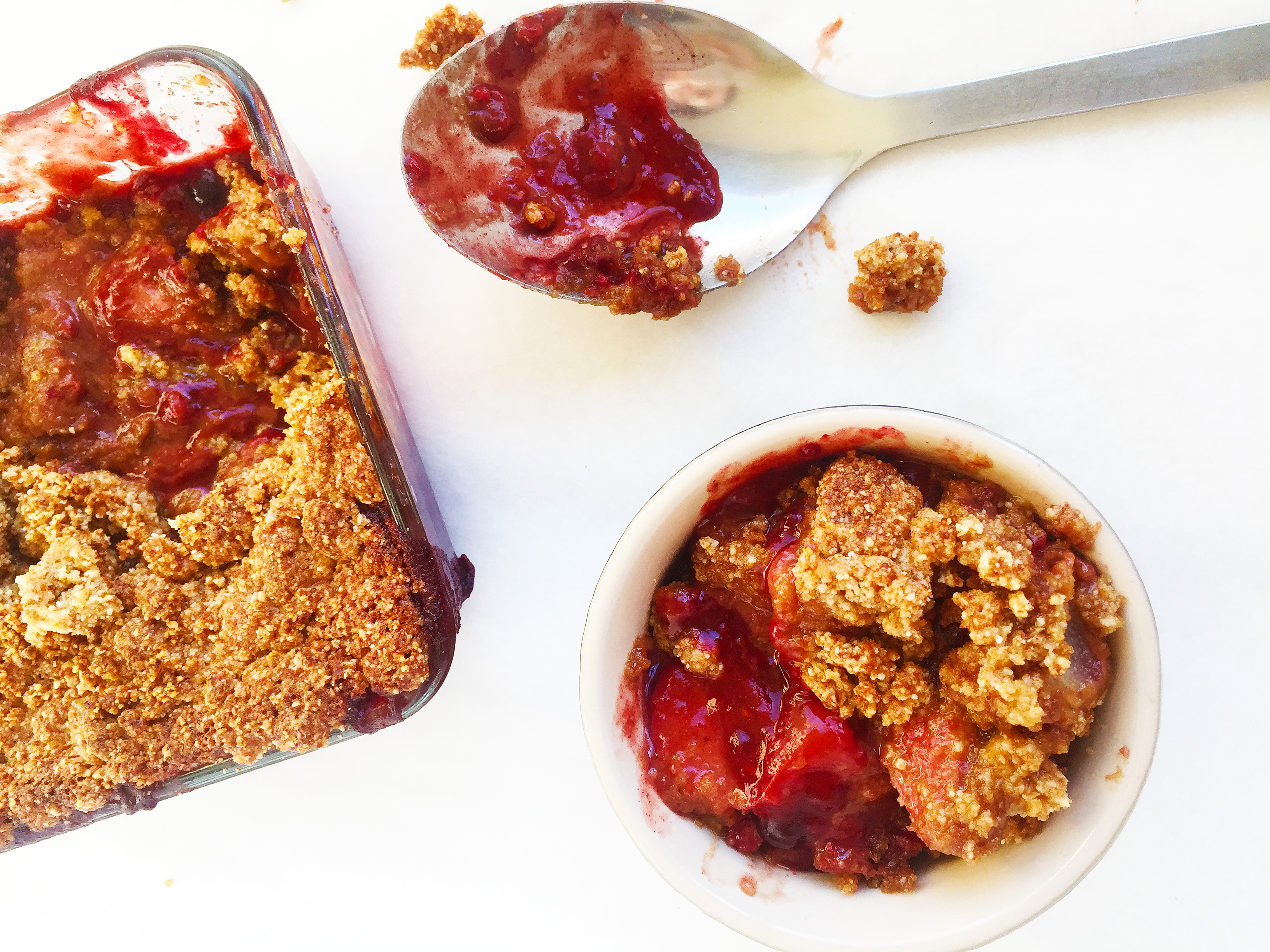 spiced-berry-and-pear-paleo-crumble-2