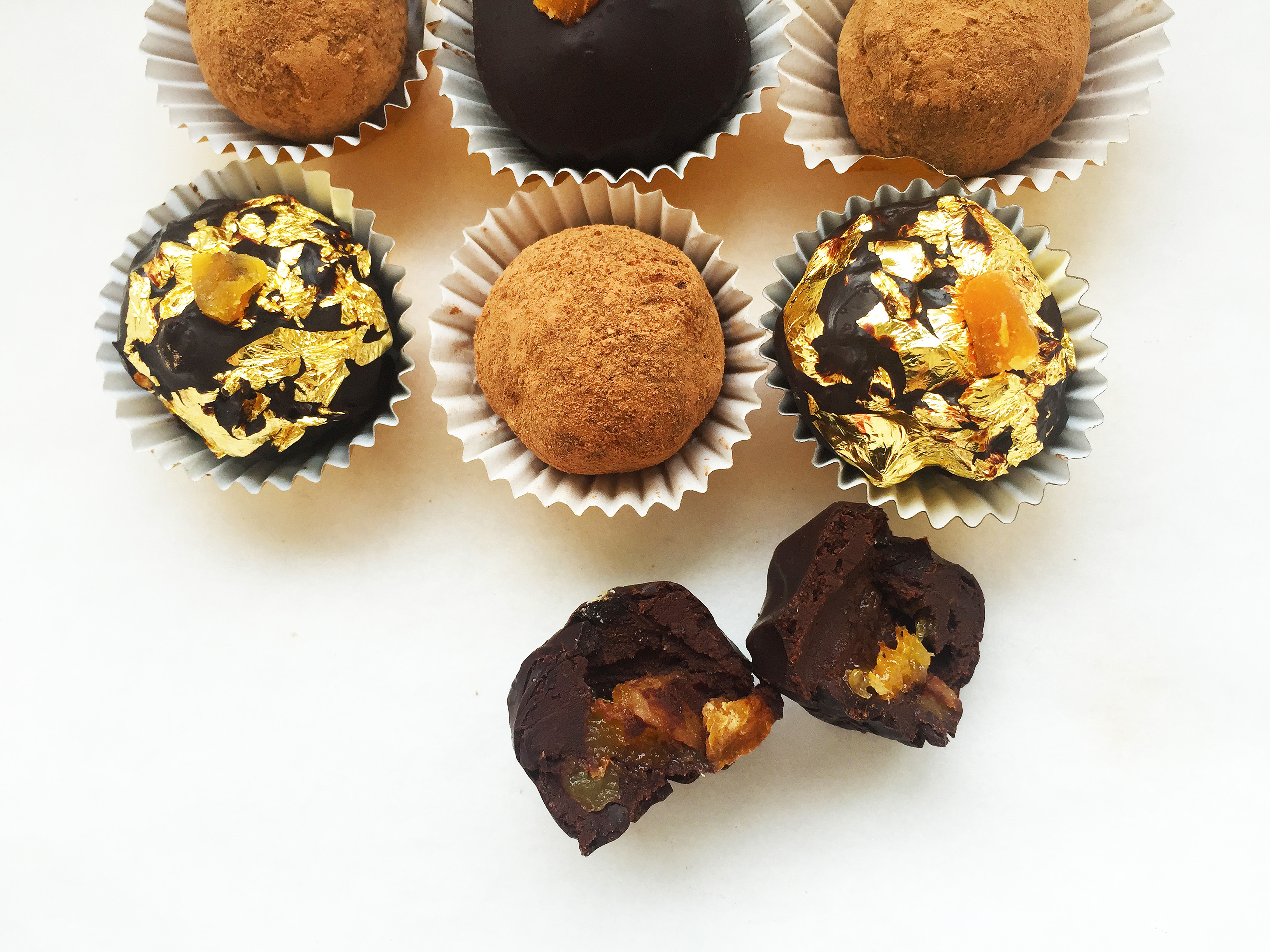 dark-chocolate-gingerbread-and-apricot-truffles-6