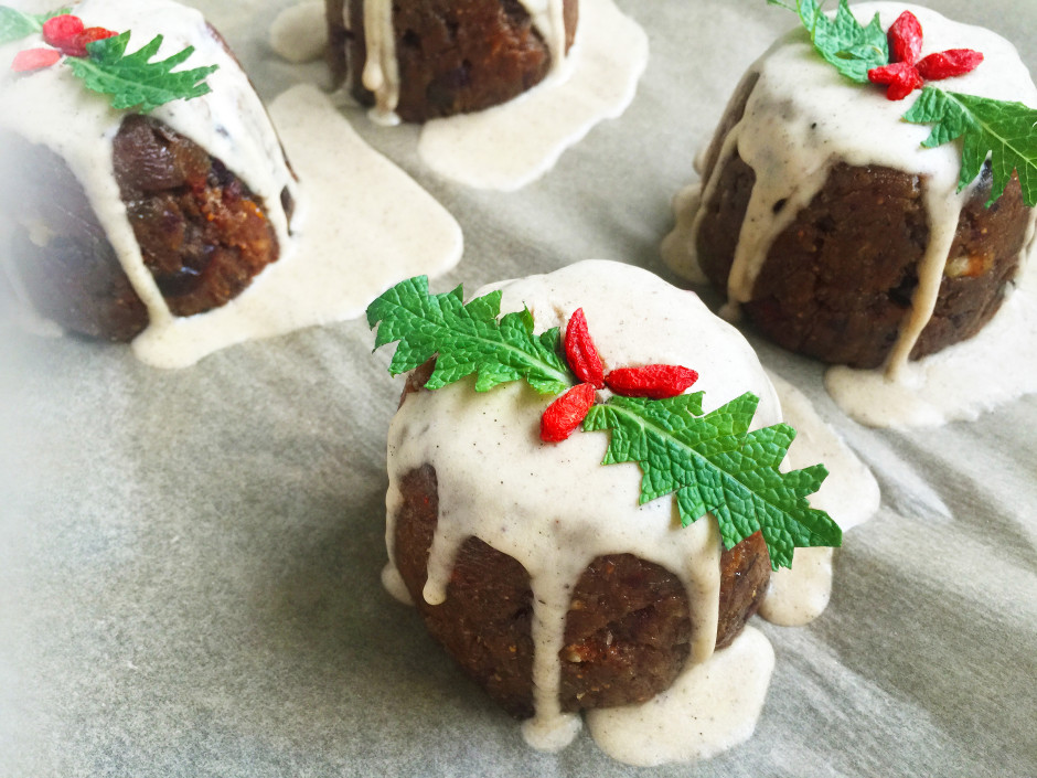 Raw vegan and paleo christmas puddings these puds are my so called healthy version of a paleo christmas pudding but dont be fooled they are anything but due to being packed full of dried forumfinder Image collections