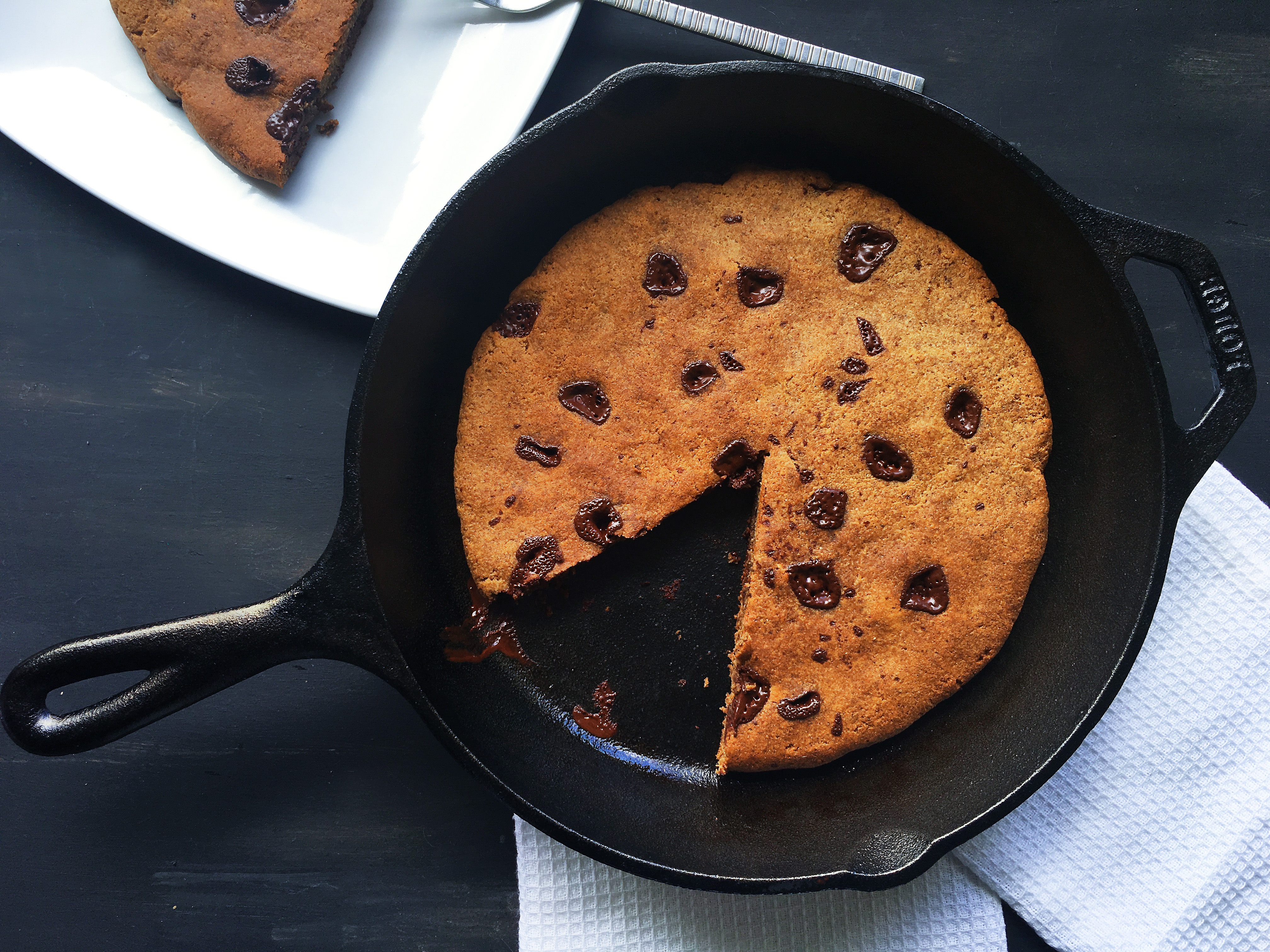 paleo-and-vegan-skillet-cookie-3