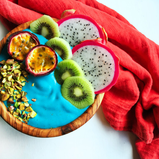 blue-mermaid-smoothie-bowl-with-e3live-blue-majik-12