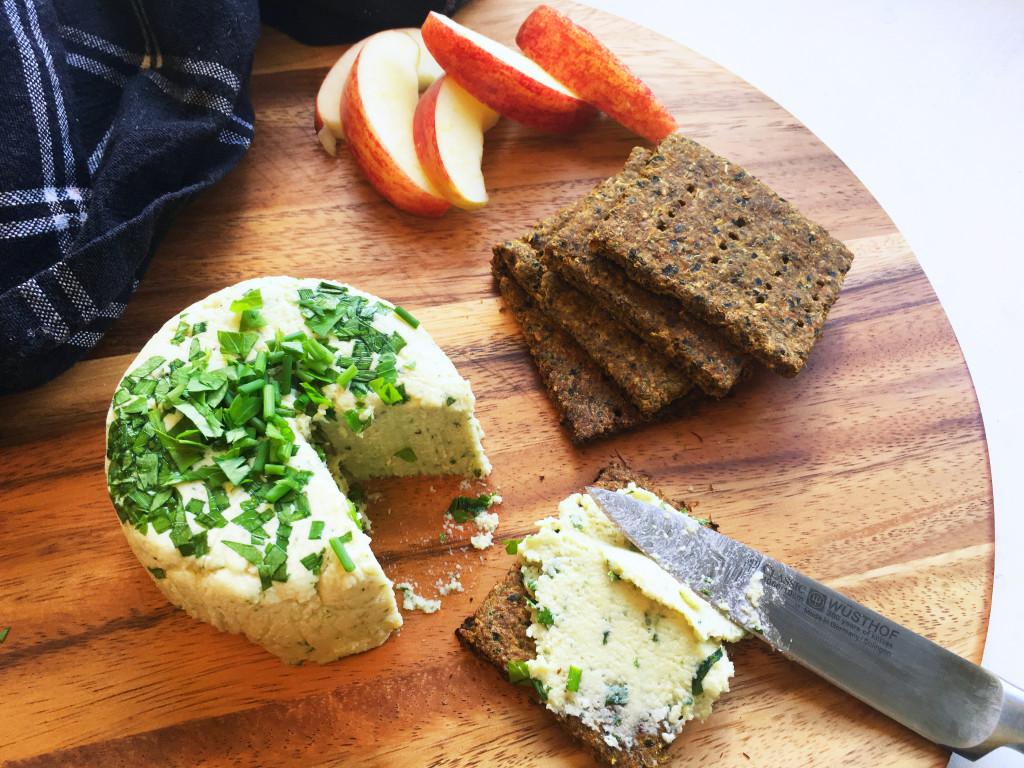 raw-vegan-boursin-style-cream-cheese-6