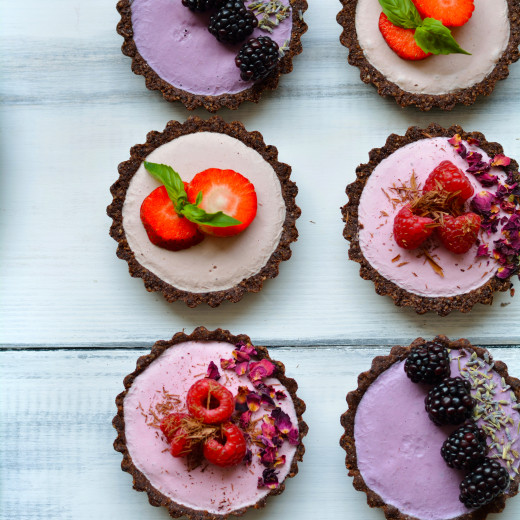 seasonal-berry-mousse-tarts-gluten-free-raw-vegan-paleo-1