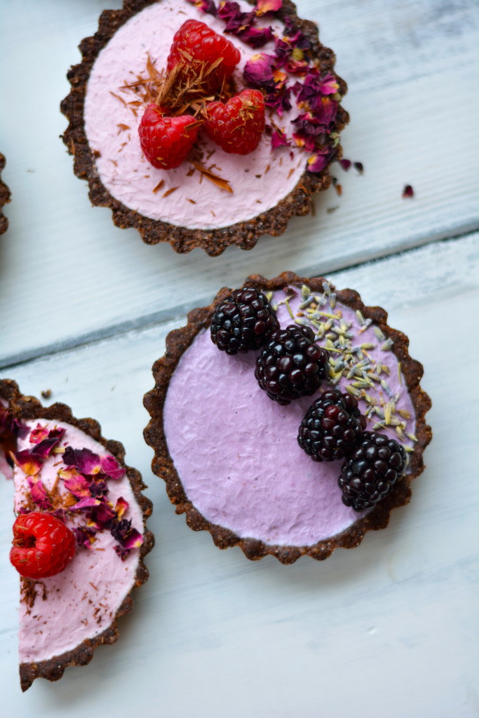 seasonal-berry-mousse-tarts-gluten-free-raw-vegan-paleo-29