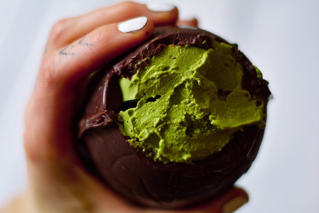 matcha-mousse-raw-chocolate-easter-egg-vegan-paleo-gluten-free-7
