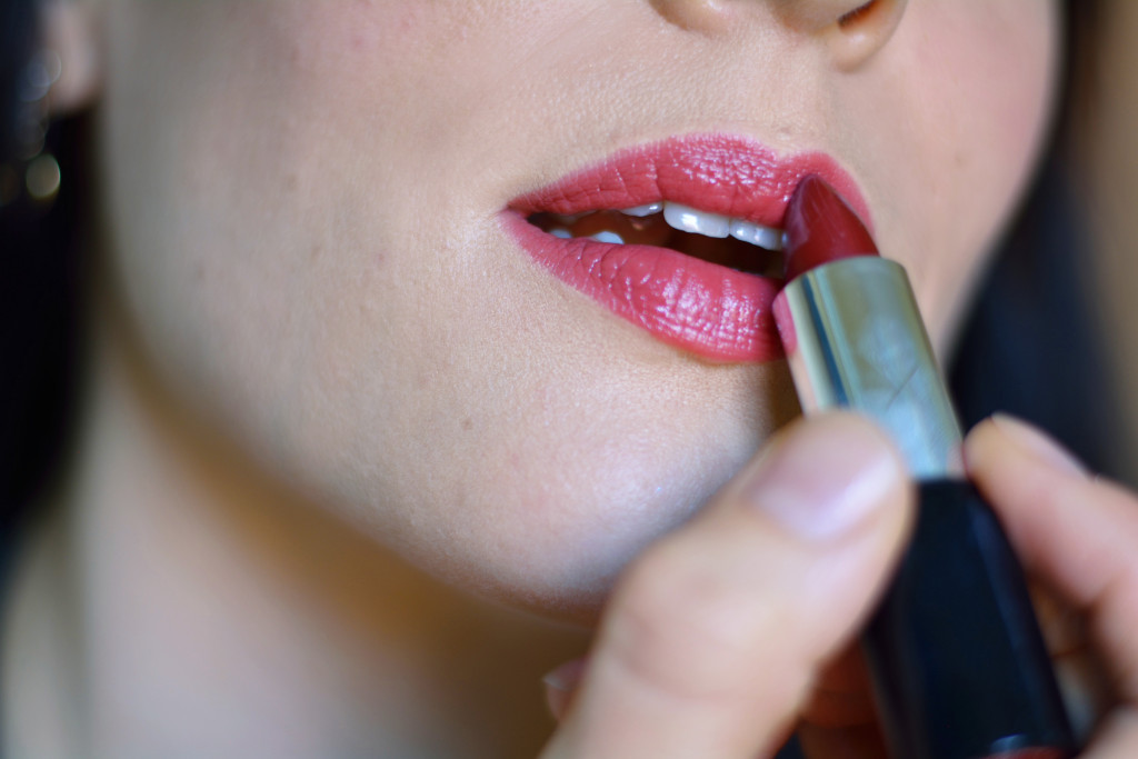odylique-organic-mineral-lipstick-review-autumn-shades-cruelty-free-carmine-free-cherry-tart-3