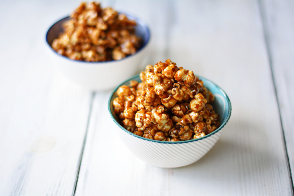 gingerbread-caramel-popcorn-with-toasted-walnuts-gluten-free-vegan-3