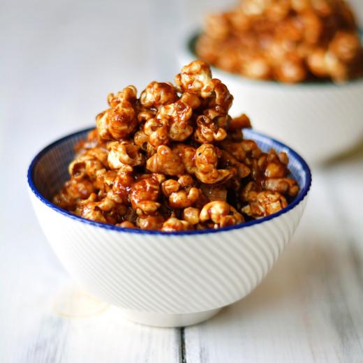 gingerbread-caramel-popcorn-with-toasted-walnuts-gluten-free-vegan-7