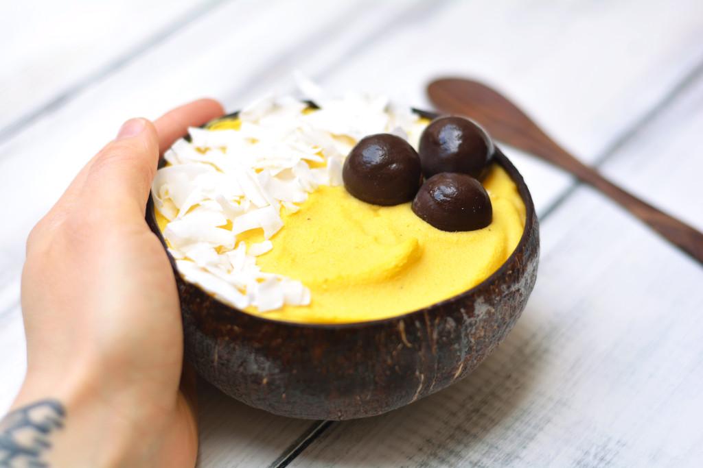 exotic-smoothie-bowl-with-liquid-curcumin-raw-vegan-paleo-3