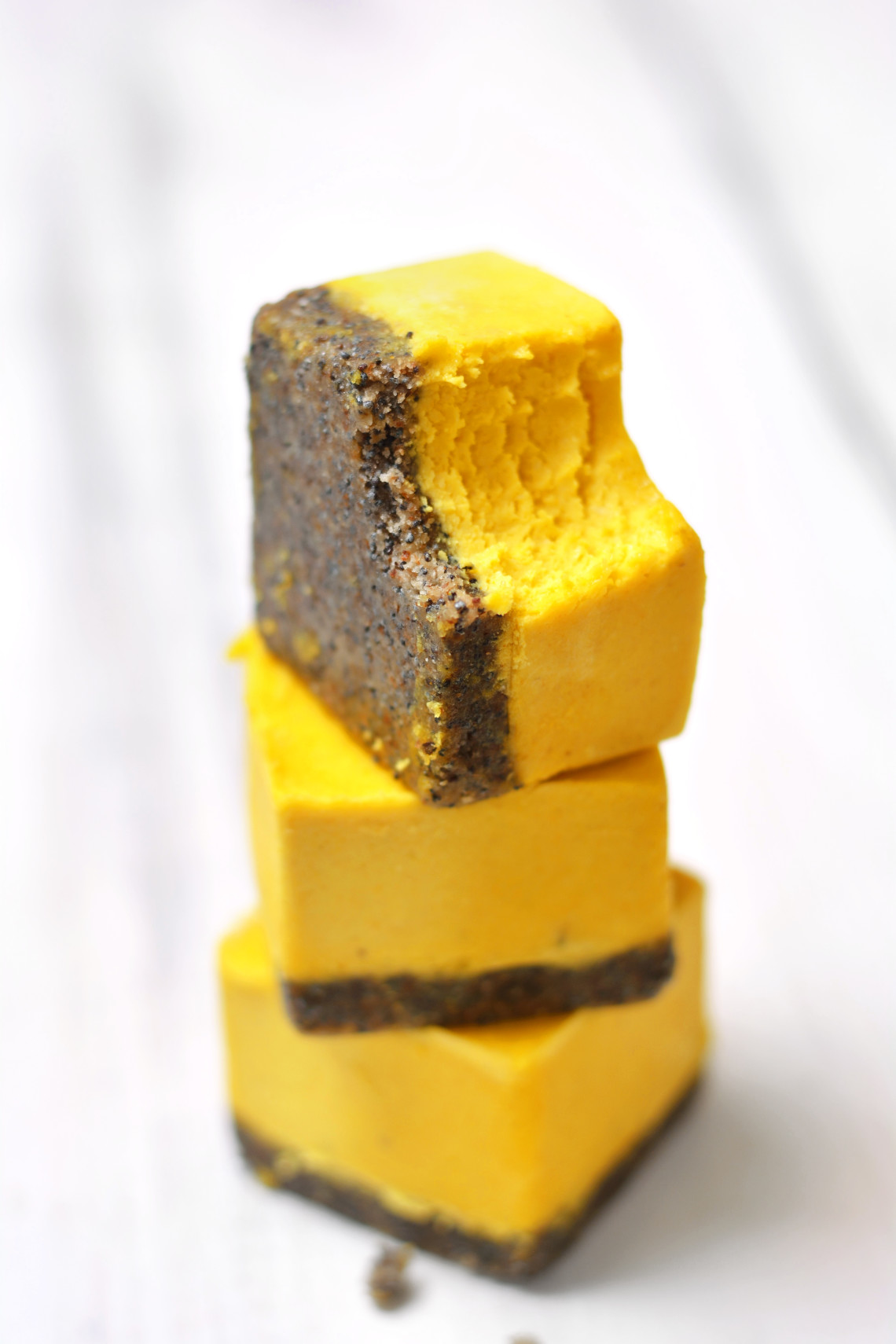 lemon-and-poppy-seed-cbd-cheesecake-squares-raw-vegan-paleo-3
